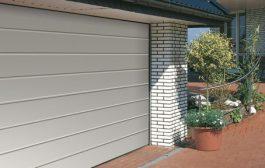 Modern, akár automatizált szekcionált garázskapuk