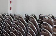 A rakásolható székek, a tárgyalótermek elengedhetetlen kellékei